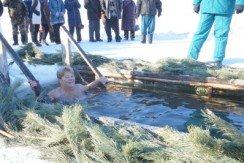 Освящение крещенской купели в Новичихе