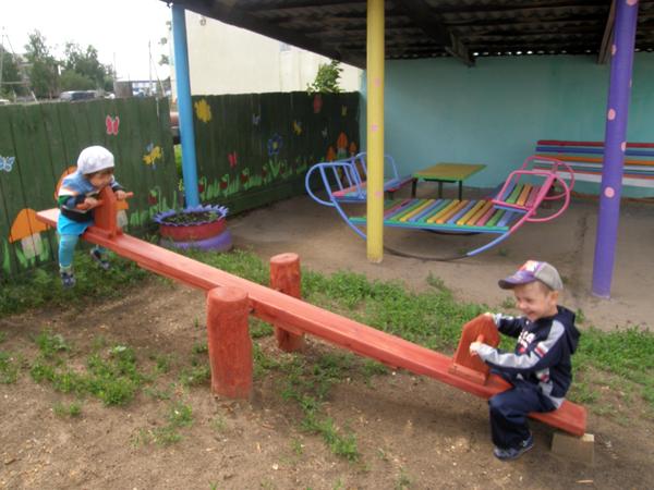 Как оформить детскую игровую площадку своими руками