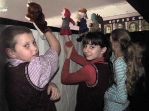 На выступлении кукольного театра
