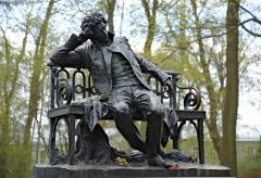 Памятник А.С. Пушкину в Царском селе (Фото: SPb photo maker, Shutterstock)