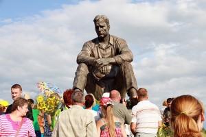 Сростки, памятник В. М. Шукшину.