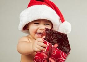 Christmas_wallpapers_Child_Santa_Claus_096337_23